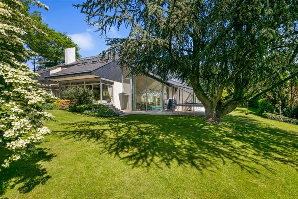 Luxury real estate An ideal family home in Vaucresson