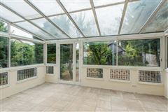 Luxury homes in superb period property in meudon