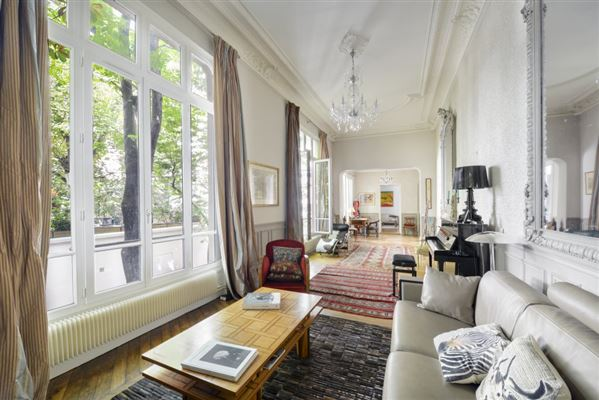 Luxury properties bright and peaceful first floor apartment