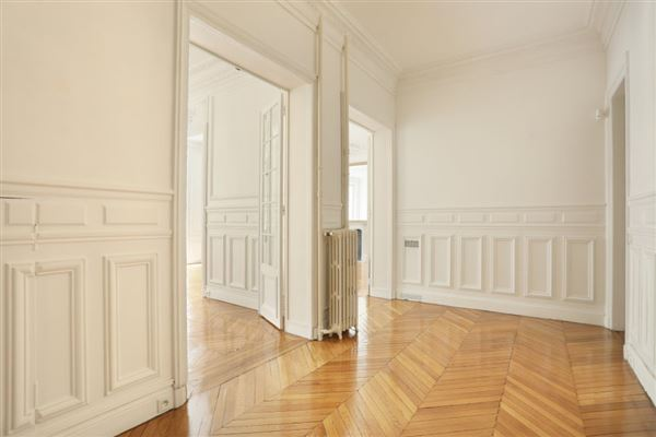 floor through five-room apartment for rent luxury real estate