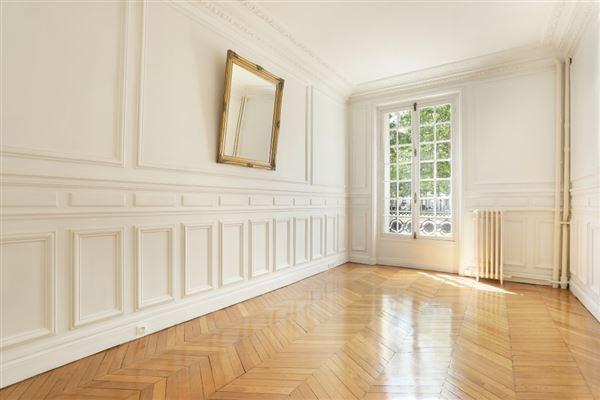 floor through five-room apartment for rent luxury properties