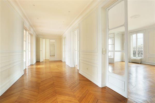 fifth floor apartment in Neuilly-Sur-Seine luxury homes