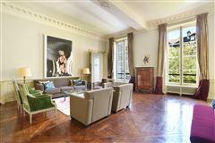 calm apartment in paris 3rd mansions