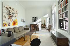 Mansions in calm apartment in paris 3rd