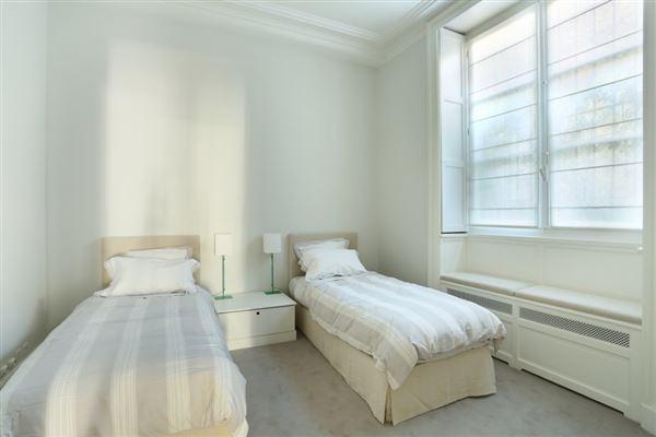 calm apartment in paris 3rd luxury real estate