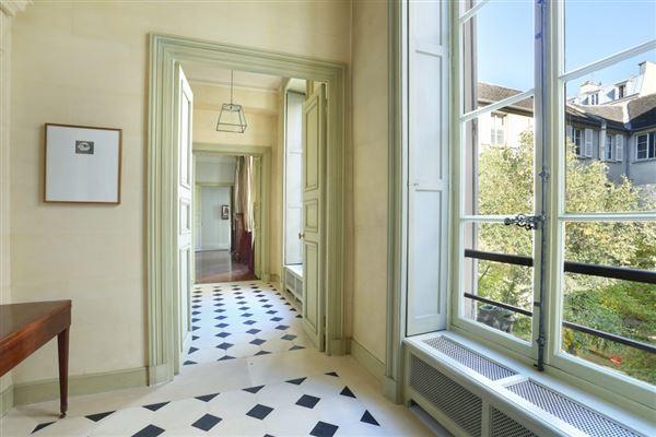 calm apartment in paris 3rd luxury properties
