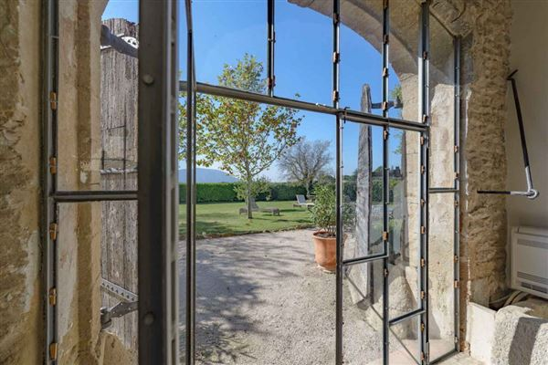 former vineyard estate in Cabrières-D avignon luxury properties