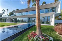 gorgeous modern property mansions
