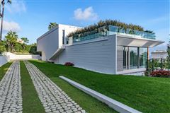 Luxury homes gorgeous modern property