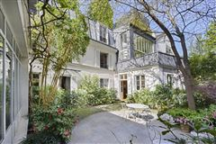 Mansions delightful turn-of-the-century property