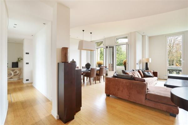 Mansions first floor rental apartment in Chateau de Madrid