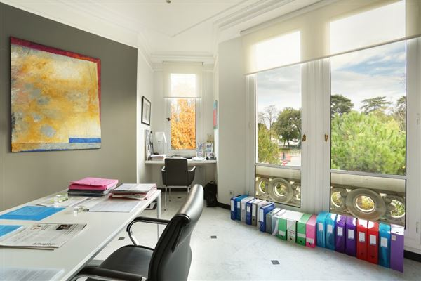 first floor rental apartment in Chateau de Madrid mansions