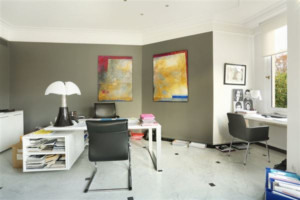 Luxury homes in first floor rental apartment in Chateau de Madrid