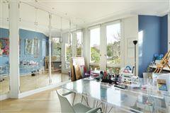 Luxury properties first floor rental apartment in Chateau de Madrid