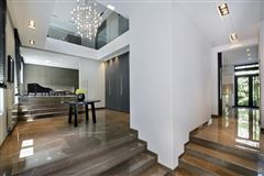 Luxury homes in refined property in Neuilly-Sur-Seine