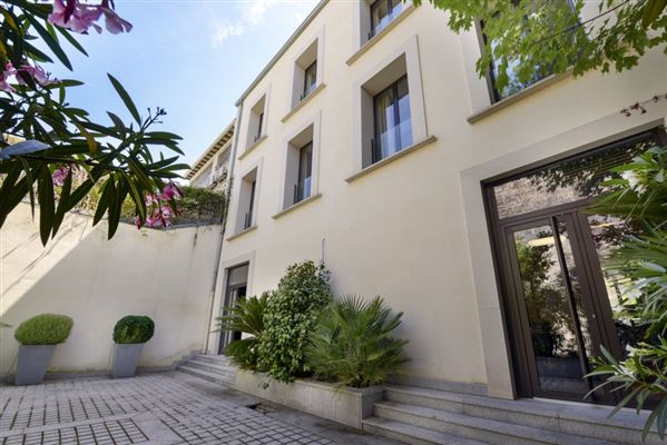 Luxury homes refined property in Neuilly-Sur-Seine