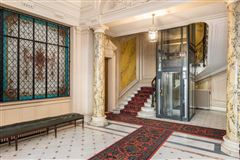 Luxury real estate a sumptuous Haussmanian building in paris 16th