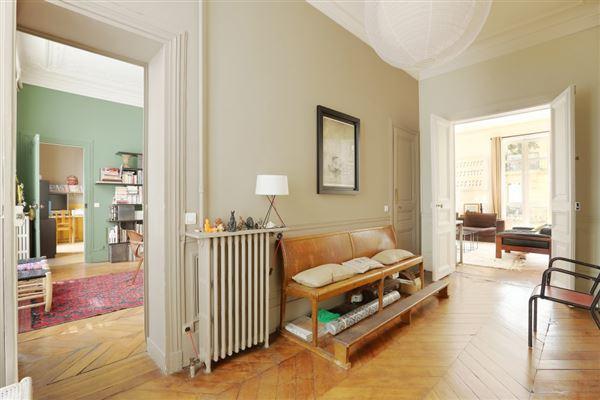 Luxury properties beautiful paris apartment
