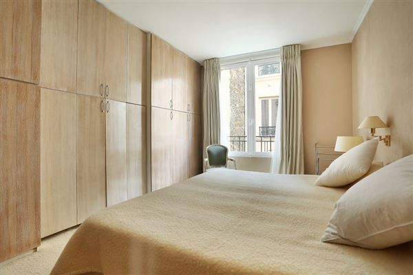 third floor rental in a charming building luxury homes