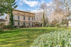 Mansions elegant 18th century property of 28 hectares
