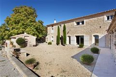 Luxury homes in gorgeous Valensole property