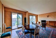 Mansions spacious third floor apartment for rent