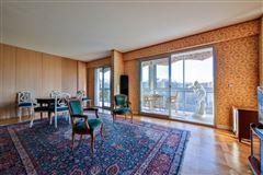 spacious third floor apartment for rent mansions