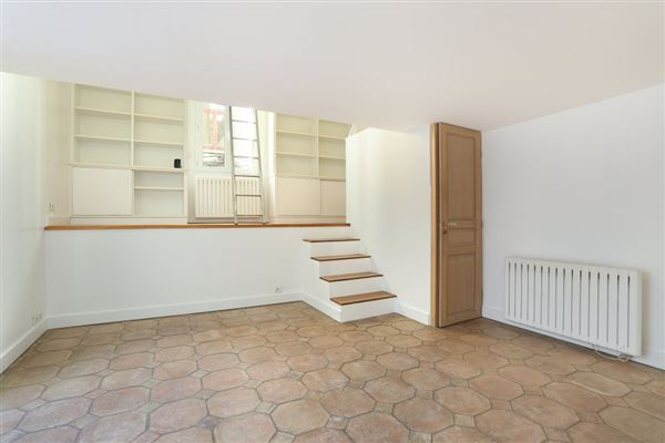 five-room townhouse for rent luxury real estate