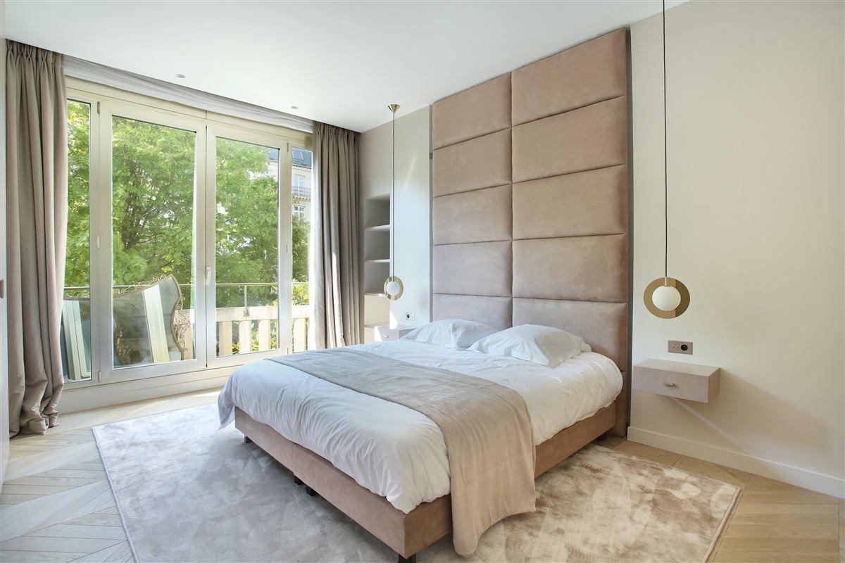 Luxury homes a Prestigious Avenue Montaigne apartment