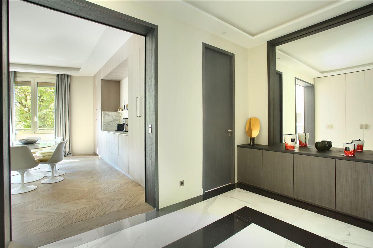 Luxury properties a Prestigious Avenue Montaigne apartment