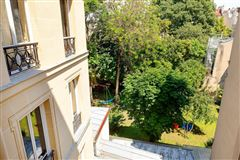Luxury homes in split-level apartment on Rue Saint-André des Arts