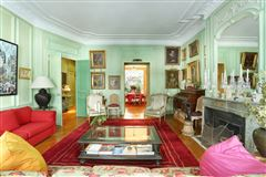 Luxury homes in apartment in a fine late 18th century private mansion