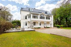 late 19th century property on gorgeous grounds mansions