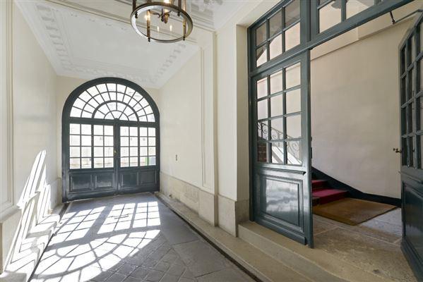 magnificent apartment on the Ile Saint Louis luxury properties