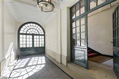 magnificent apartment on the Ile Saint Louis luxury homes