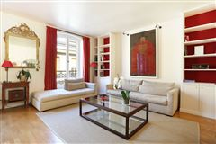 Mansions contemporary style apartment in great location