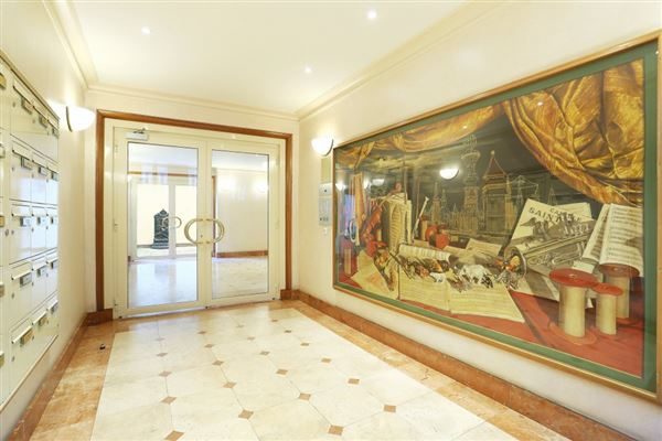 Luxury properties contemporary style apartment in great location