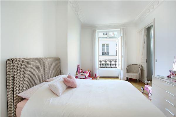 apartment in the Saint-Pères neighbourhood luxury properties