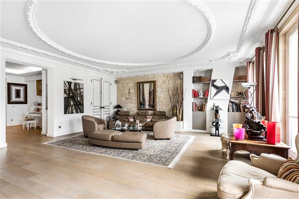 spacious apartment in mint condition luxury properties