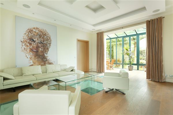 Luxury homes immaculate duplex apartment