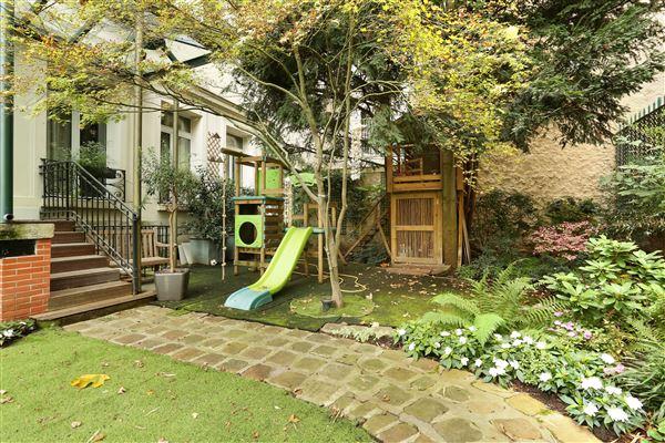 Luxury properties immaculate duplex apartment