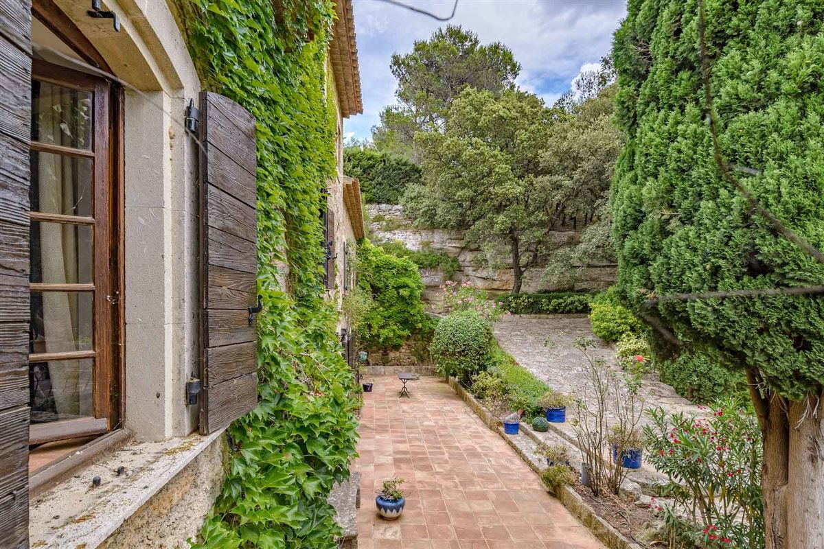 Luxury properties peaceful period property with open Alpilles mountain range views