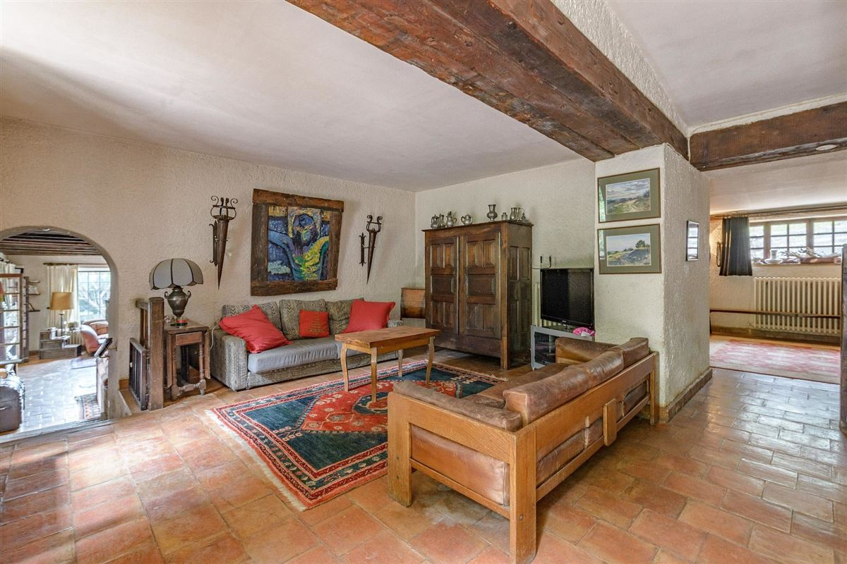 Luxury homes in peaceful period property with open Alpilles mountain range views