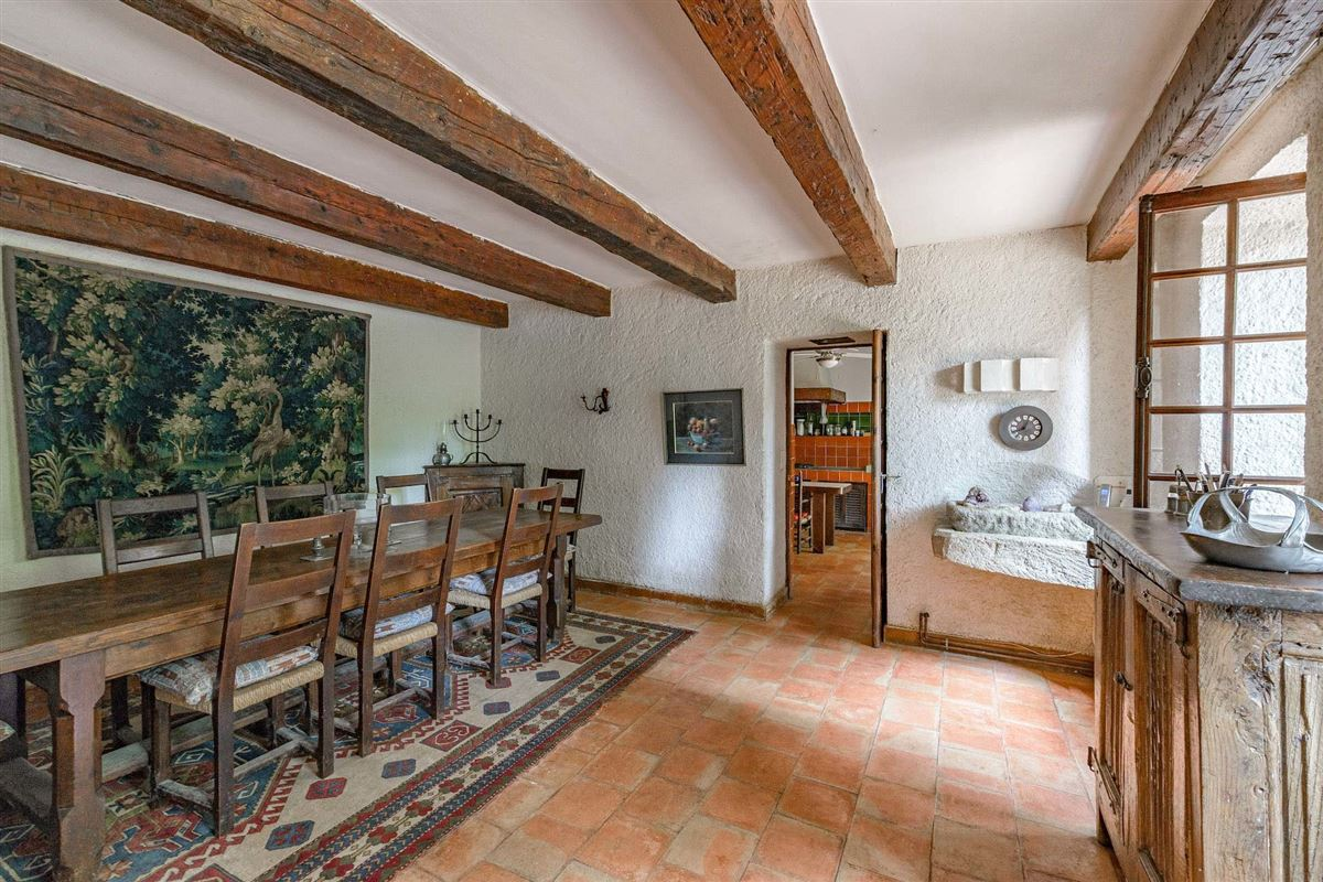 Mansions in peaceful period property with open Alpilles mountain range views