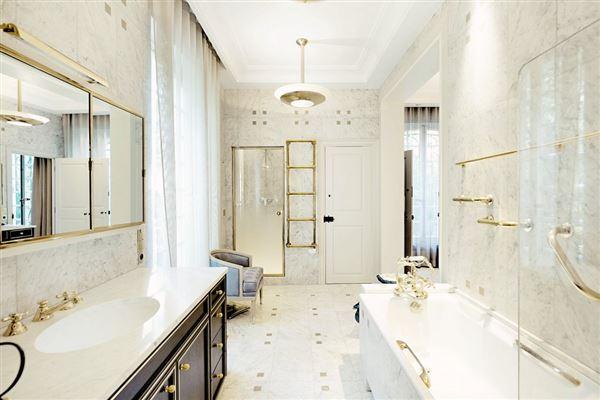 Luxury real estate an elegant property in Marnes-La-Coquette