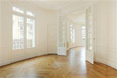 Luxury homes in elegant four bedroom rental