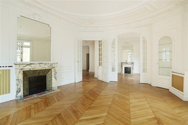 elegant four bedroom rental luxury properties
