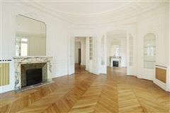 elegant four bedroom rental luxury homes