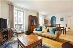Mansions lovely apartment with luxuriously appointed living space