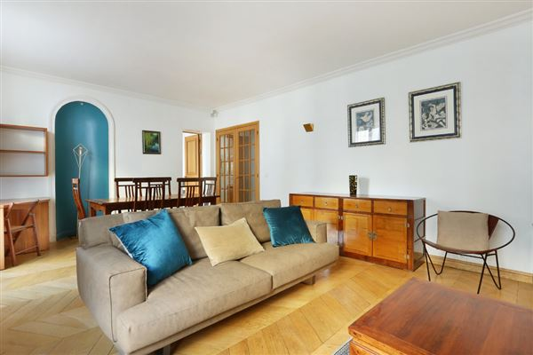 lovely apartment with luxuriously appointed living space luxury real estate